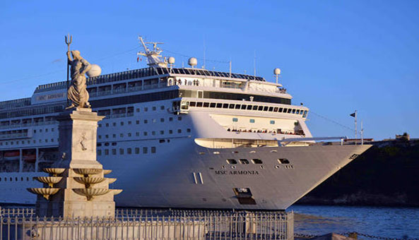 Cruise season from Europe begins in Cuba with arrival of MS Hamburg
